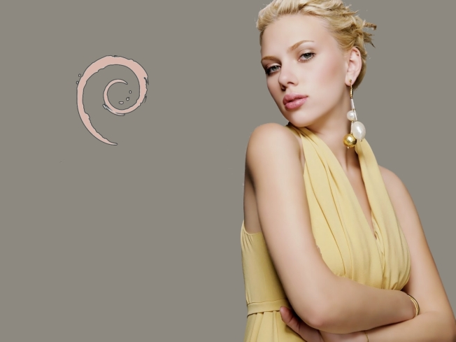 scarlett_johansson_wallpapers_by_debiandimaz-d495oly